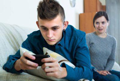 espionner téléphone de ses enfants